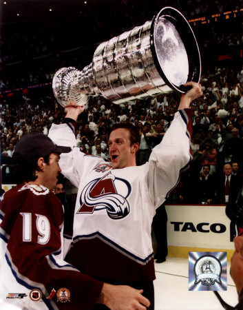 aacg016rob-blake-with-stanley-cup-6-9-01-posters.jpg